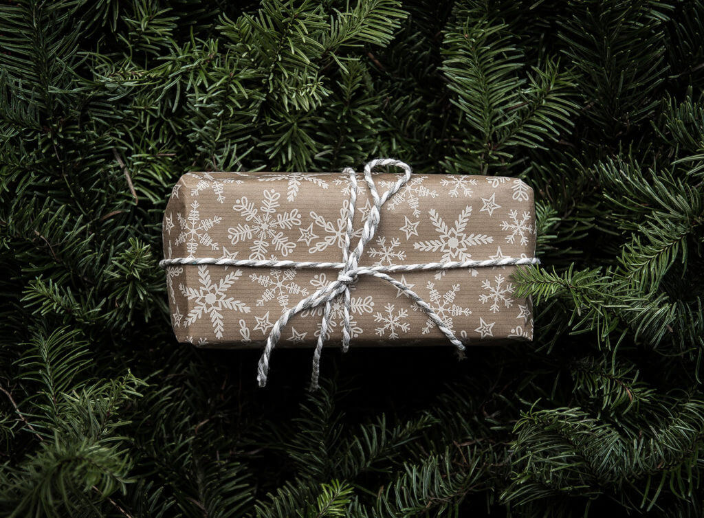 Gift Guide for Travelers_Grit and Soul
